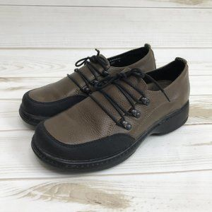 Dansko Womens Brown Leather Lace Up Loafer Clogs
